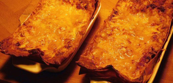 Vegetarische Portions-Lasagne direkt aus dem Ofen