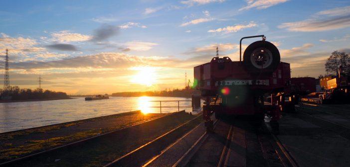 Bild der KW10: Sonnenuntergang am Reisholzer Hafen in Holthausen