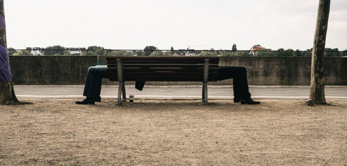 Bild der KW17: Bank und Beine