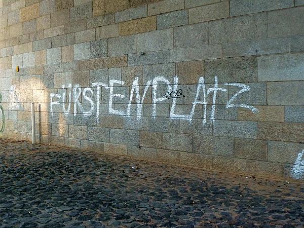 Fuerstenplatz Grafitto (Januar 2012)