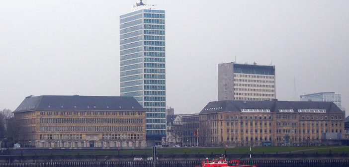 Mannesmann-Hochhaus und Peter-Behrens-Bau