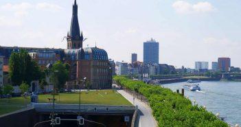 Einfahrt zum Rheinufertunnel