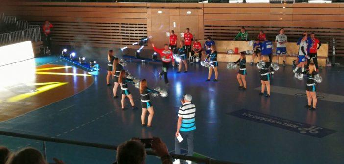 HC Rhein Vikings: Einlauf der Spieler