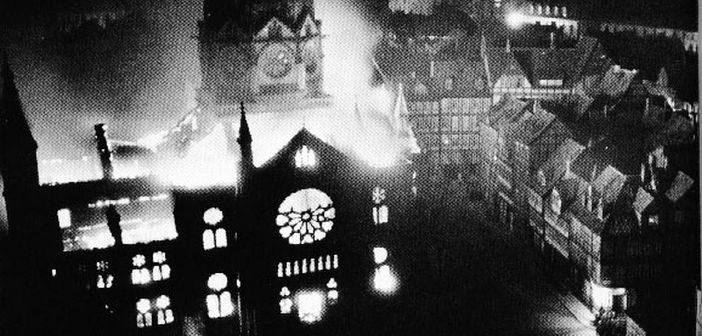 Höhepunkt der Novemberpogrome 1938: brennende Synagogen