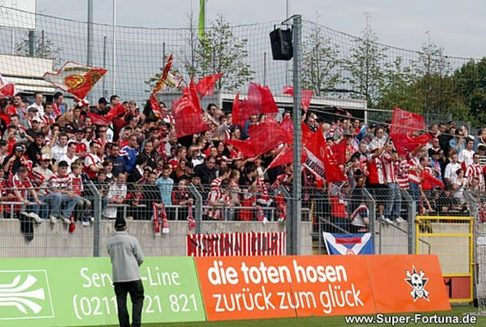 Heimspiel im Paul-Janes-Stadion im Jahr 2005 (Foto: super-fortuna.de)