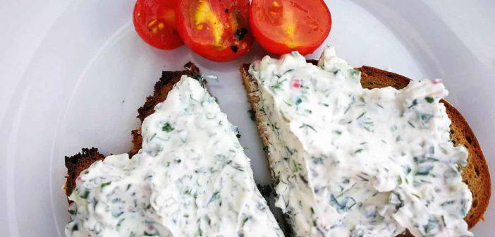 RdW: Lecker Kräuterquark auf Brot