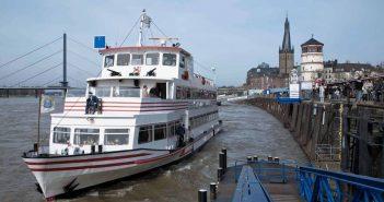 Weisse Flotte: MS Stadt Düsseldorf legt ab