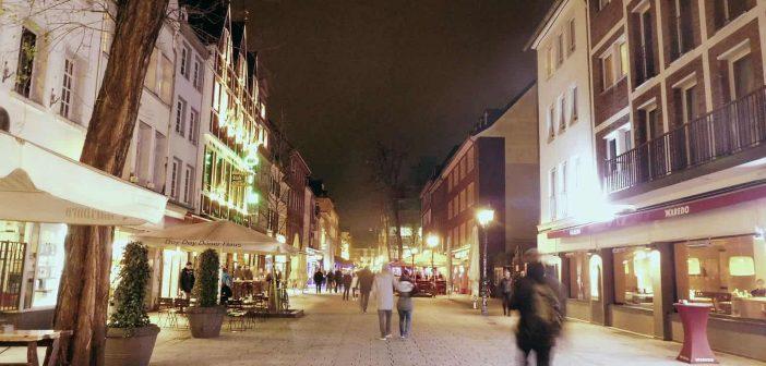 Bolkerstraße, Winter, abends