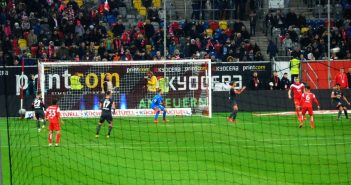 F95 vs Nürnberg - Ständig Brand vorm Club-Tor