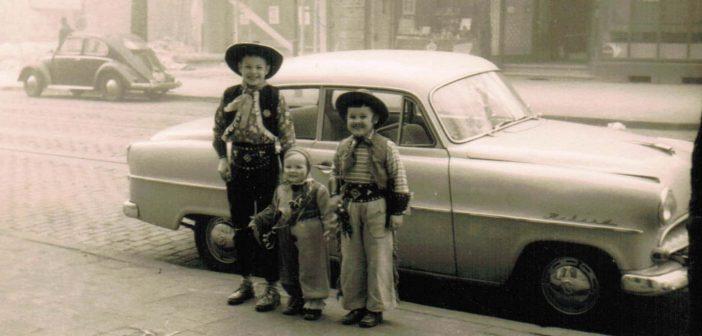 Zu Karneval auf der Corneliusstraße (ca. 1959)