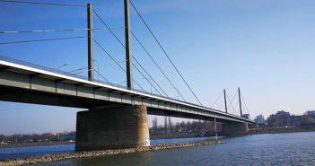 Die arme, alte Theodor-Heuss-Brücke - wird sie bald abgerissen?